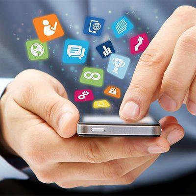 el 64,7% de los españoles utiliza el móvil para buscar empleo