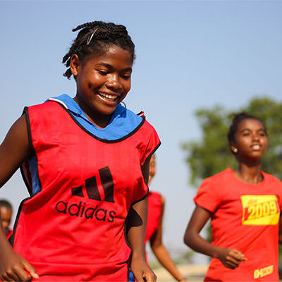 llega a españa el equipo de fútbol femenino tafita f.t. de madagascar