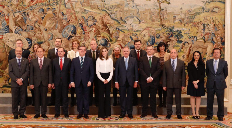 La Reina Letizia con una delegación de AULA, con motivo de su XXV Aniversario, La Reina Letizia con una delegación de AULA, con motivo de su XXV Aniversario, Revista NUVE
