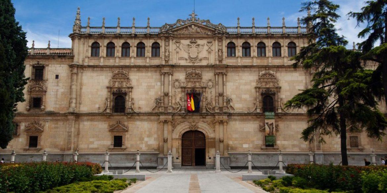 Los Universitarios lamentan la ausencia de Mendez de Vigo, Los Universitarios lamentan la ausencia de Mendez de Vigo, Revista NUVE