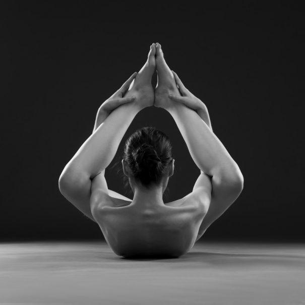 Los beneficios de la práctica regular de yoga, Los beneficios de la práctica regular de yoga, Revista NUVE