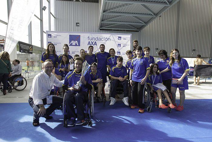 Las estrellas del equipo de axa de nataci n triunfan en el for Piscina valdesanchuela
