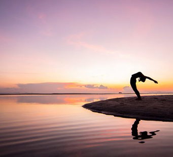 yoga en red: el ser humano vive en una permanente proyección