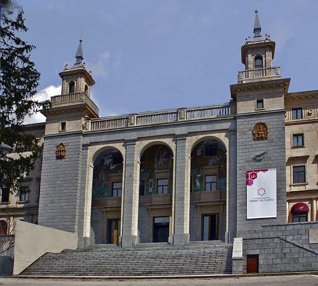 Universidad Isabel, Universidad Isabel I, nacida en la era digital, Revista NUVE