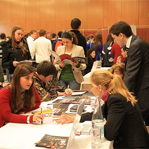 unitour madrid, Más de 40 universidades se reúnen en UNITOUR Madrid, el Salón de Orientación Universitaria que orienta a los alumnos en su elección de carrera, Revista NUVE